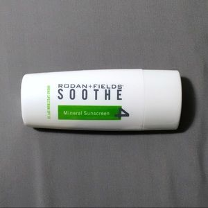 SPF 30 Rodan + Fields SOOTHE Mineral Sunscreen